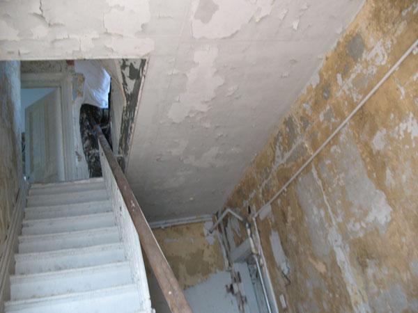 stairshallfirstfloorbefore.jpg