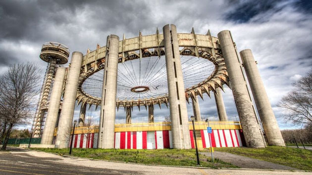 MODERN RUIN: A WORLD FAIR PAVILION