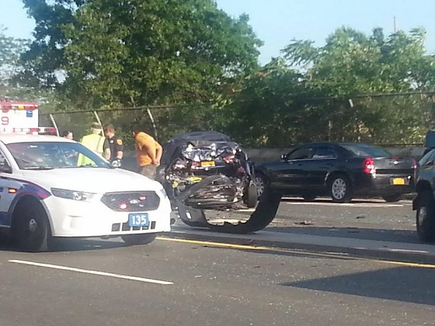 Scpd North Lindenhurst Motor Vehicle Crash Leaves Three Injured Suffered Leg Head Internal