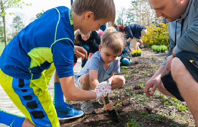 GVS Students Lend 'Helping Hands' for Earth Day