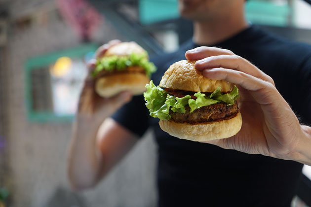 Making Healthy Eating Choices 'Easier' in Today's Fast Food Restaurant Scene