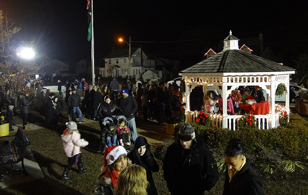 Massapeaua Ushers in the Yuletide Season with Annual Tree Lighting