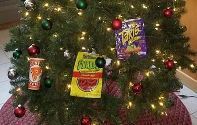 Black People Christmas Pictures.Racist Christmas Tree Makes Mockery And Stereotype Of Black